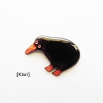 //七宝焼き//Kiwi brooch pin.