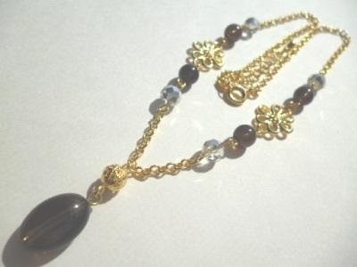 スモーキークオーツ・カットガラス・メタルパーツのネックレス