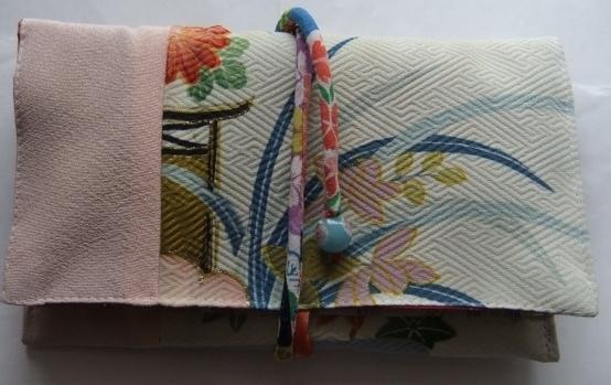 着物リメイク 花柄の着物で作った和風財布 1465