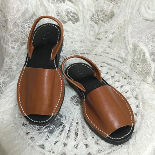 靴擦れしない長く歩ける本革オーダーメイドサンダル☆ブラウンインソール黒