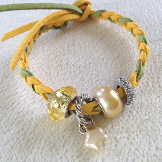 三つ編みブレスレット   黄×緑