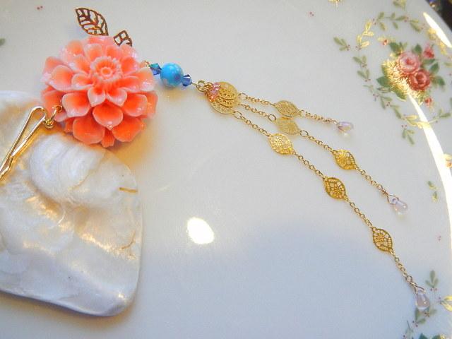 珊瑚色 優貝花のかんざしピン