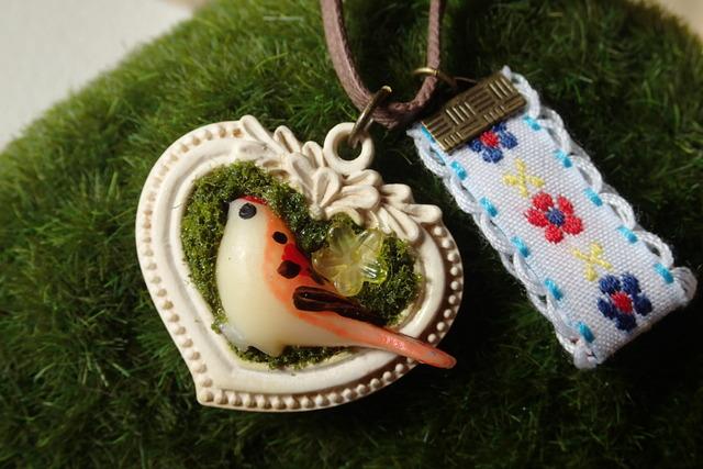 鳥のレトロ ペンダント
