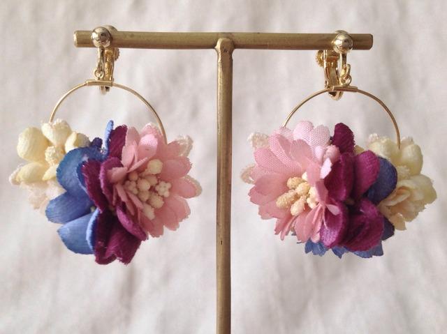 染め花の小さなフープイヤリング(ピンク&紅紫&青紫)