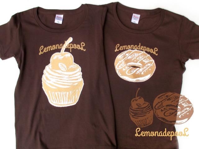 カップケーキ柄、ドーナツ柄Tシャツ(チョコ)
