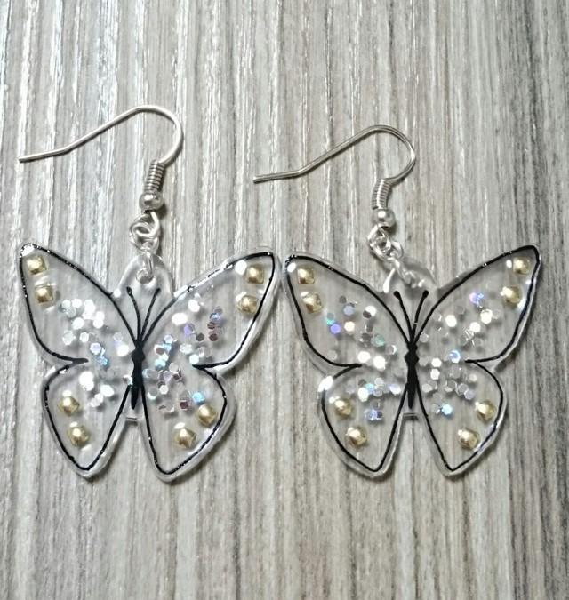 キラキラクリアの蝶ピアス※イヤリング