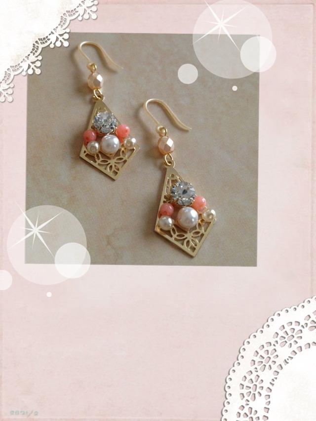 珊瑚とパールの桜ピアス(イヤリング変更可)