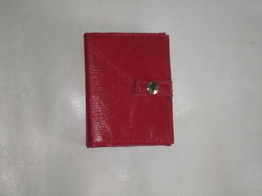 赤い皮のカードホルダー カバー