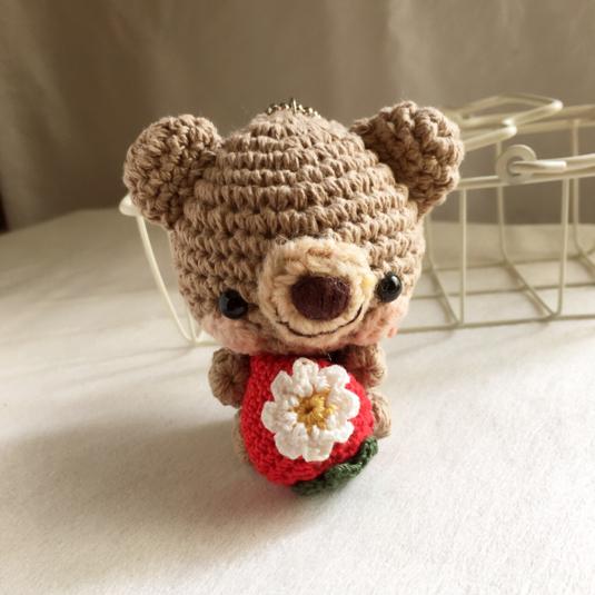 【半額セール!】コットン糸・赤イチゴクマさん