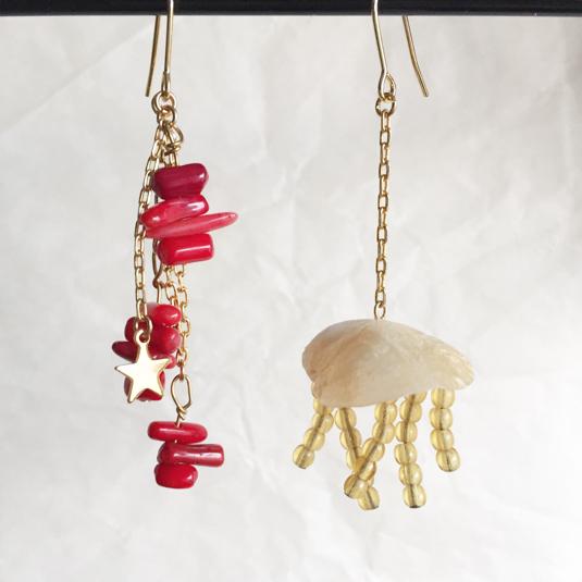 赤珊瑚と貝殻クラゲのゆらゆらピアス