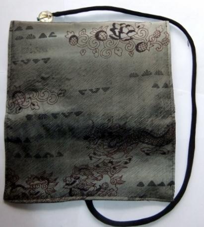 着物リメイク 羽織の裏地で作った和風財布 1487