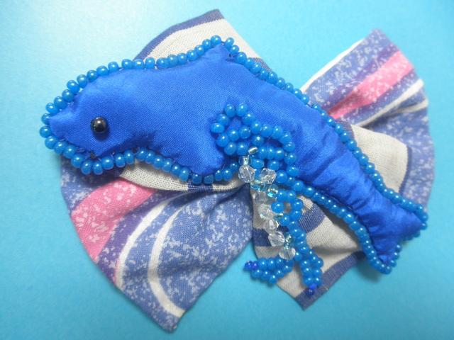 青のバレッタ「躍動〜dolphin」