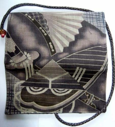 着物リメイク 綿の羽織の裏地で作った和風財布 1492