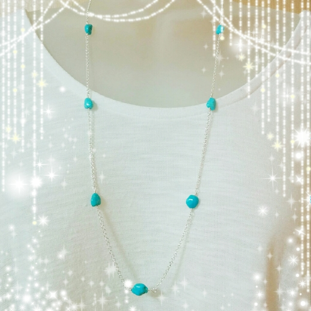 天然石トルコ石、ターコイズブルー☆青色、夏アクセサリー、メガネ留めシルバーロングネックレス☆送料無料☆プレゼントにも♪