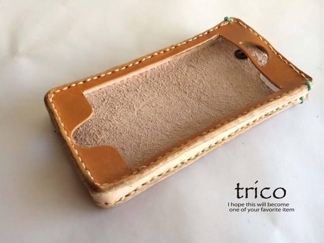 革のiPhoneケース(キャメル)