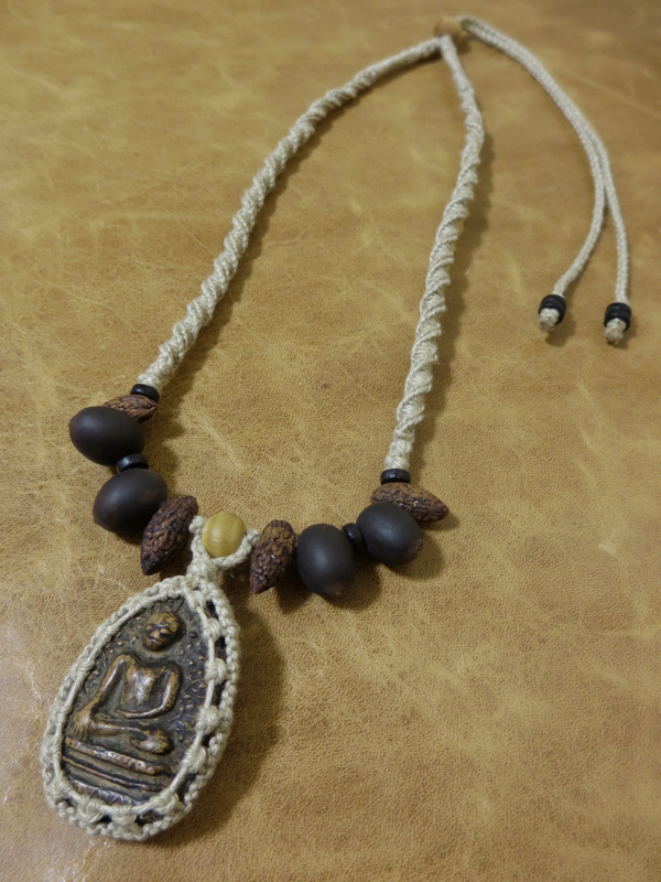 プラクルアンのネックレス