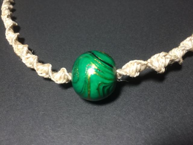 国産ヘンプのねじり結びネックレス(緑)