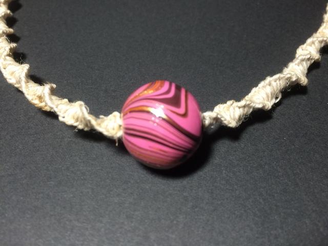 国産ヘンプのねじり結びネックレス(ピンク)