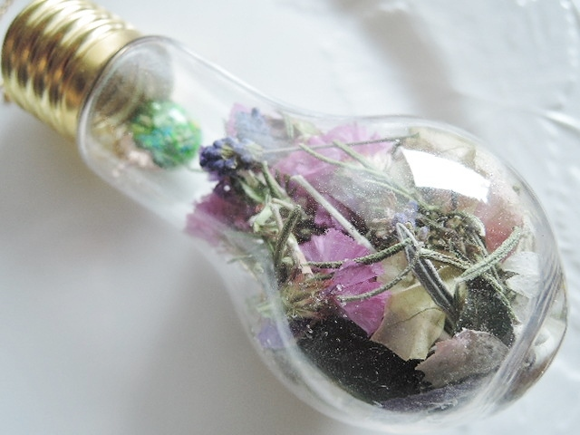 『natsu313さま専用ご注文ページ ご予約品』アウトレット☆My Garden ドライフラワー&暗闇で光るガラスドーム。・。・電球型癒しの空間(1168)