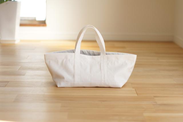 帆布のトートバッグ(ホワイト)