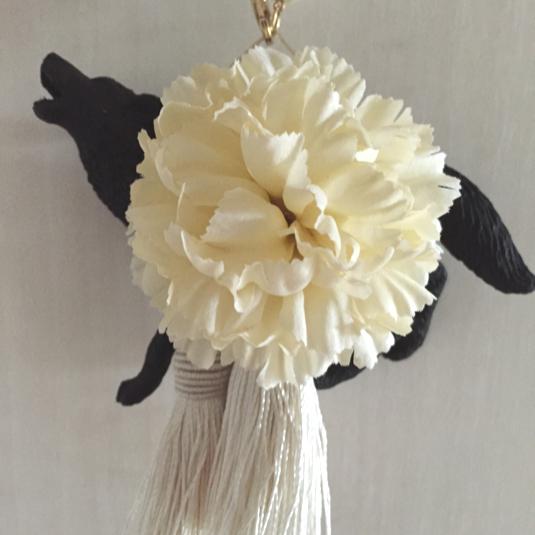 ブラックウルフのバッグチャーム(ホワイト×ホワイト)