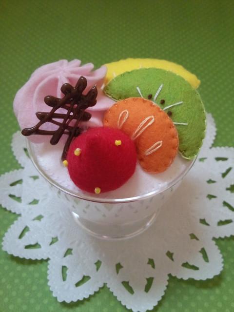 フルーツ杏仁のカップ