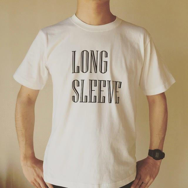 長袖にしか見えない半袖Tシャツ