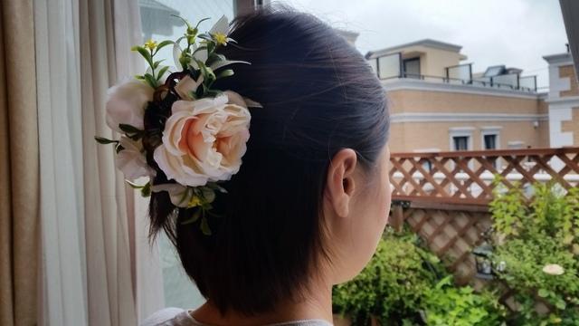 新作♪ 夏のバラのヘアークリップ