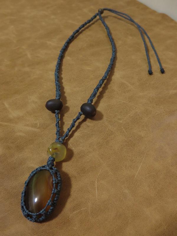 アゲートと蓮の実のネックレス