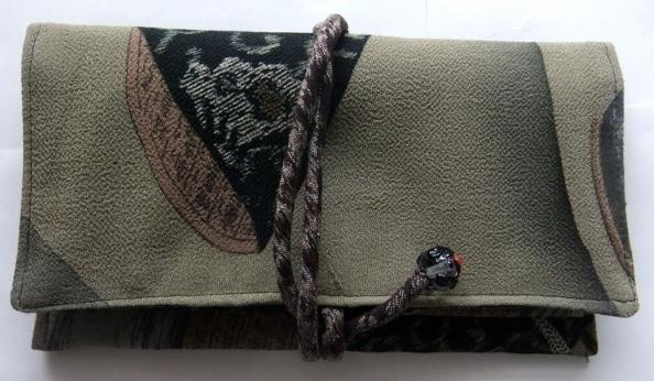 着物リメイク 縮緬の着物で作った和風財布 1512