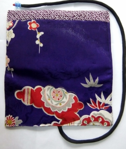 着物リメイク 花柄の着物と絞りの羽織で作った和風財布 1516