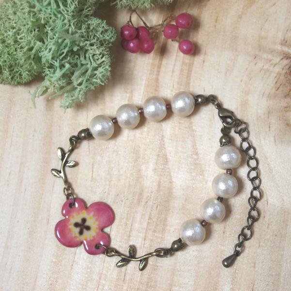 お花とコットンパールのブレスレット・ピンク