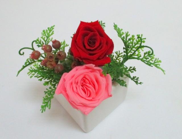 【プリザーブドフラワー】赤とピンクのバラ