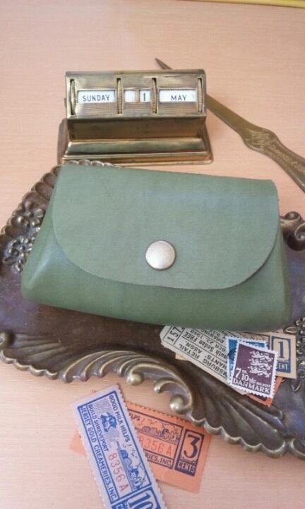 ころん財布(ポーチ):鈍い緑色
