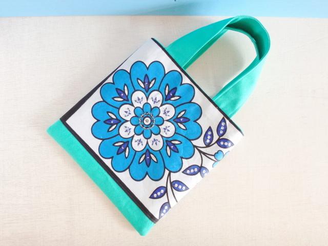 アフリカンカンガ*休日のお散歩バッグ(青い花*)