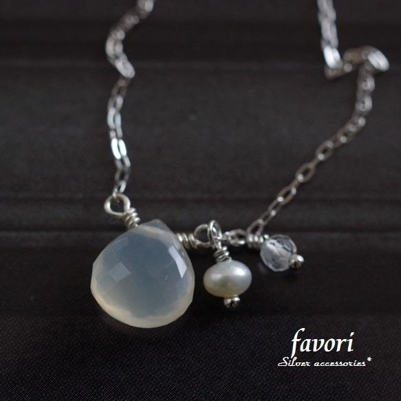 Silver製ホワイトムーンストーンネックレス