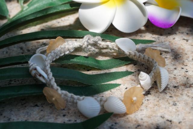 麻と貝殻のブレスレット フラガール(...