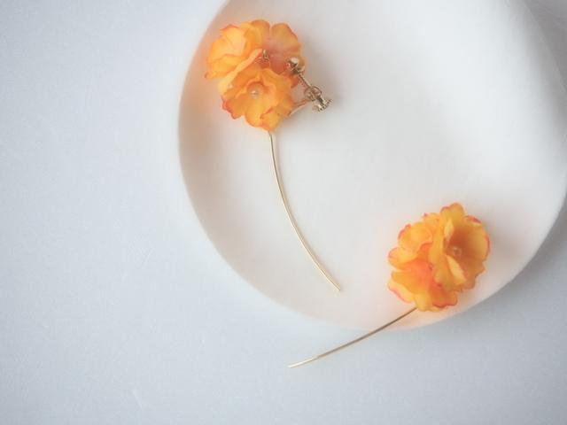 HANAKAZE イヤリング S オレンジ