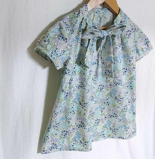 花柄ボータイブラウス 半袖 サイズ130 セール