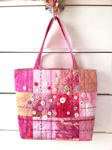 ピンクのトートバッッグ
