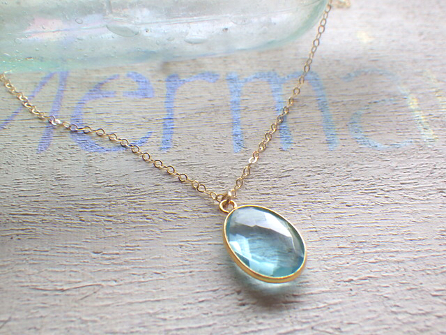 Framed Aquamarine Necklace 14kgf