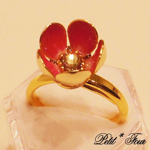 花畑の宝石指輪