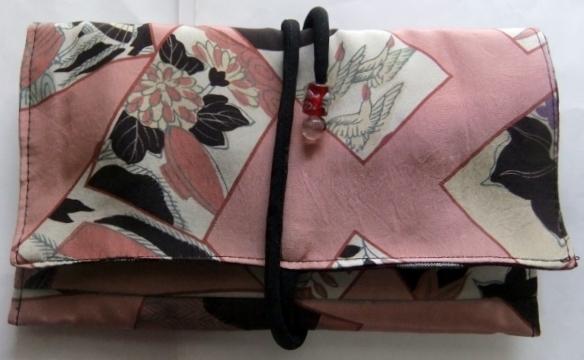 着物リメイク 羽織の裏地で作った和風財布 1537