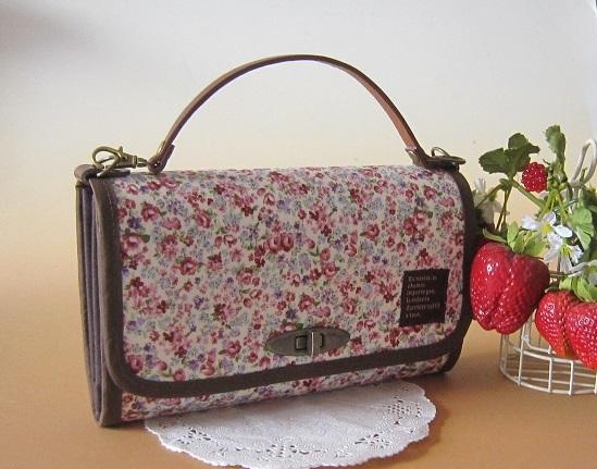 ◆難あり品◆ミニフラワーのお財布バック(ピンク)