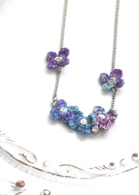 【紫のあじさいのネックレス】
