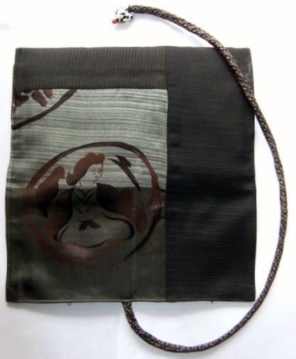 着物リメイク 黒の絽と羽織裏で作った和風財布 1542