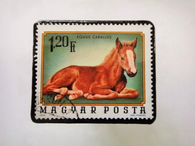 ハンガリー馬切手ブローチ1218
