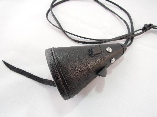 本革ネズミのキーケース 黒