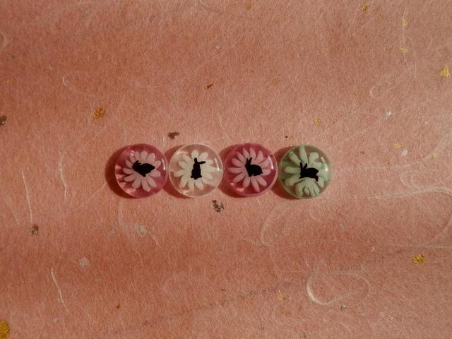 うさぎの花ボタン