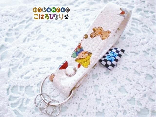 ピノキオ柄 合皮製キーストラップ